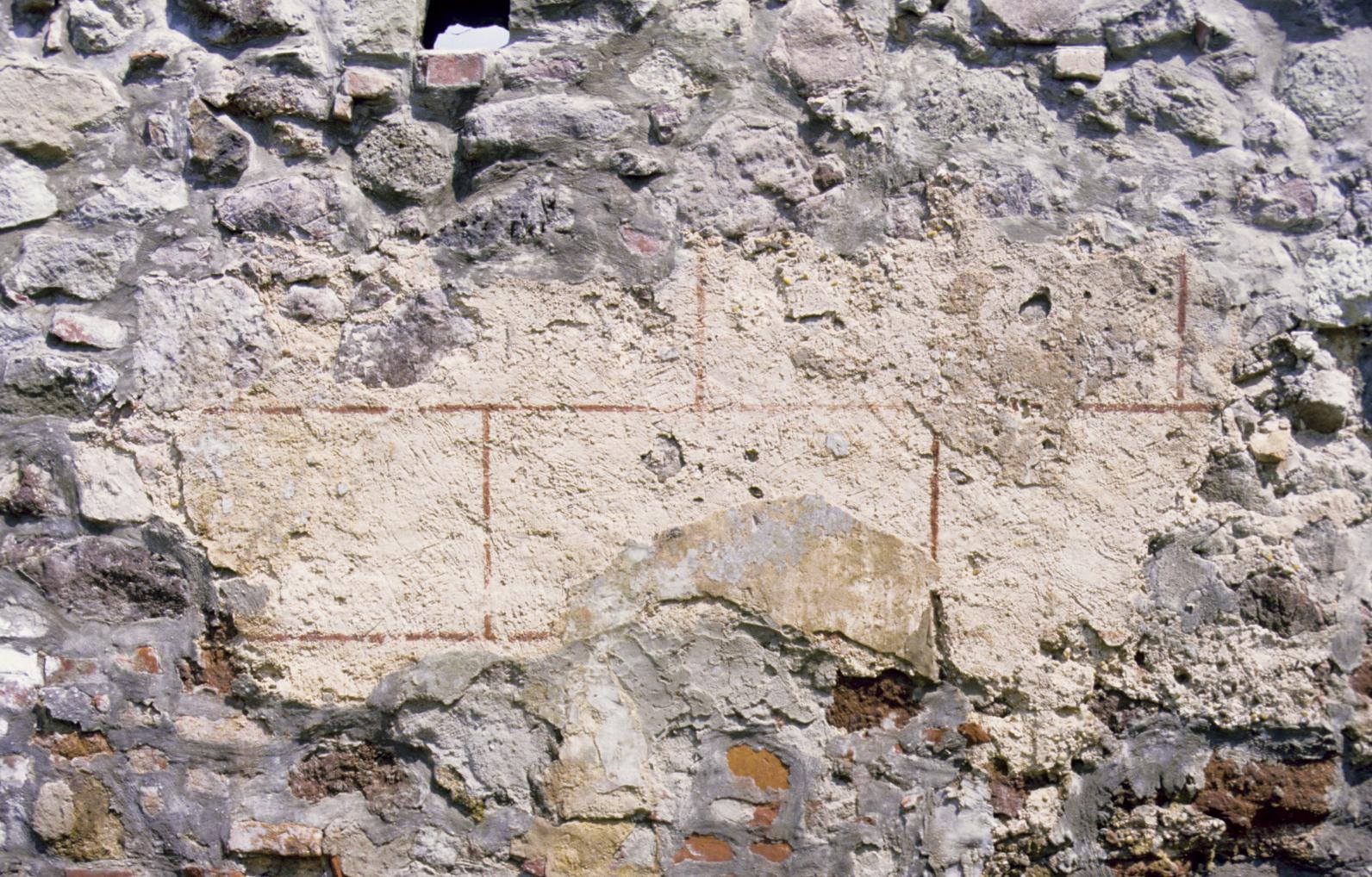 Kváderes falfestés maradványa a visegrádi királyi palota déli kerítésfalán