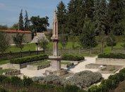 Rekonstruált kerti környezetben