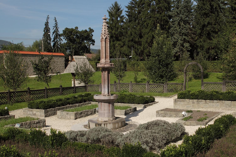 A rekonstrult kerti díszkút