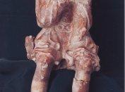 Tumba-oldallap szobortöredéke a székesfehérvári Szent Katalin kápolna 3. sírjából (Biczó Piroska nyomán)